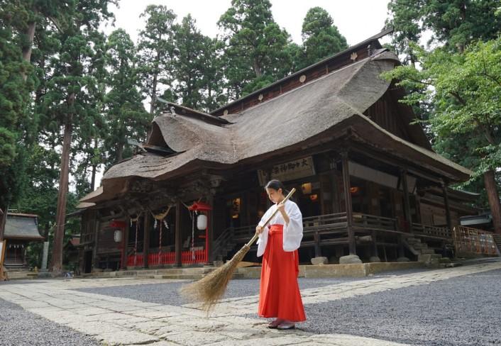 縁結びの神 熊野大社で巫女体験【4/6】